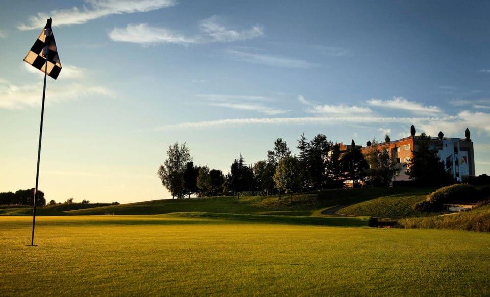 Novotel Saint-Quentin in Yvelines Hotel Golf