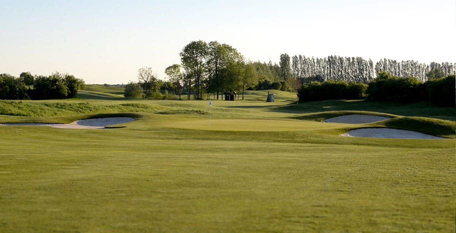 LeGolfNational_Aigle_hole_no11