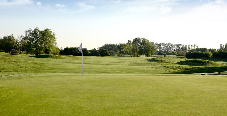 LeGolfNational_Aigle_hole_no14_bis