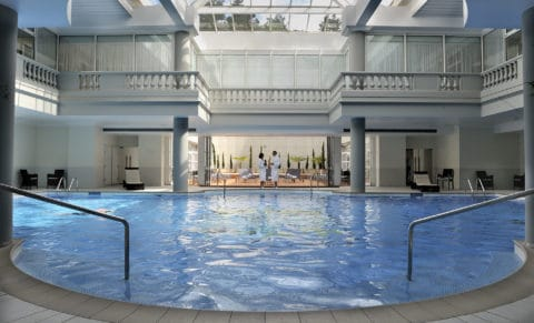 Trianon-Palace-Versailles---Swimming-pool