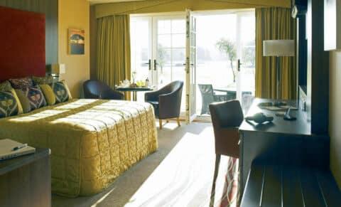 formby-hall-golf-resort-spa-roomt